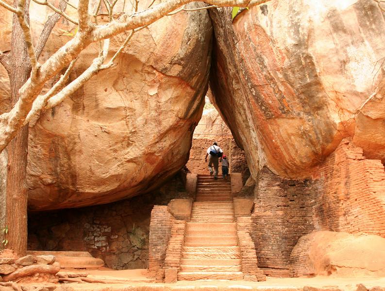 Sigiriya steps1447.jpg