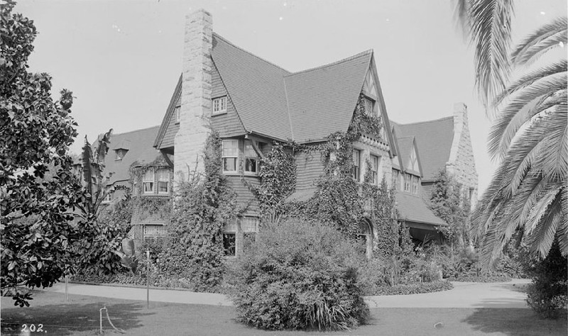 Exterior view of the home of Homer Laughlin on West Adams Boulevard, ca.1900