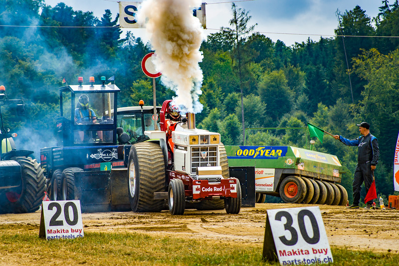 Tractor Pulling 2015-02445.jpg