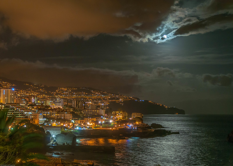 Ian Peters_Funchal at night-5761.jpg