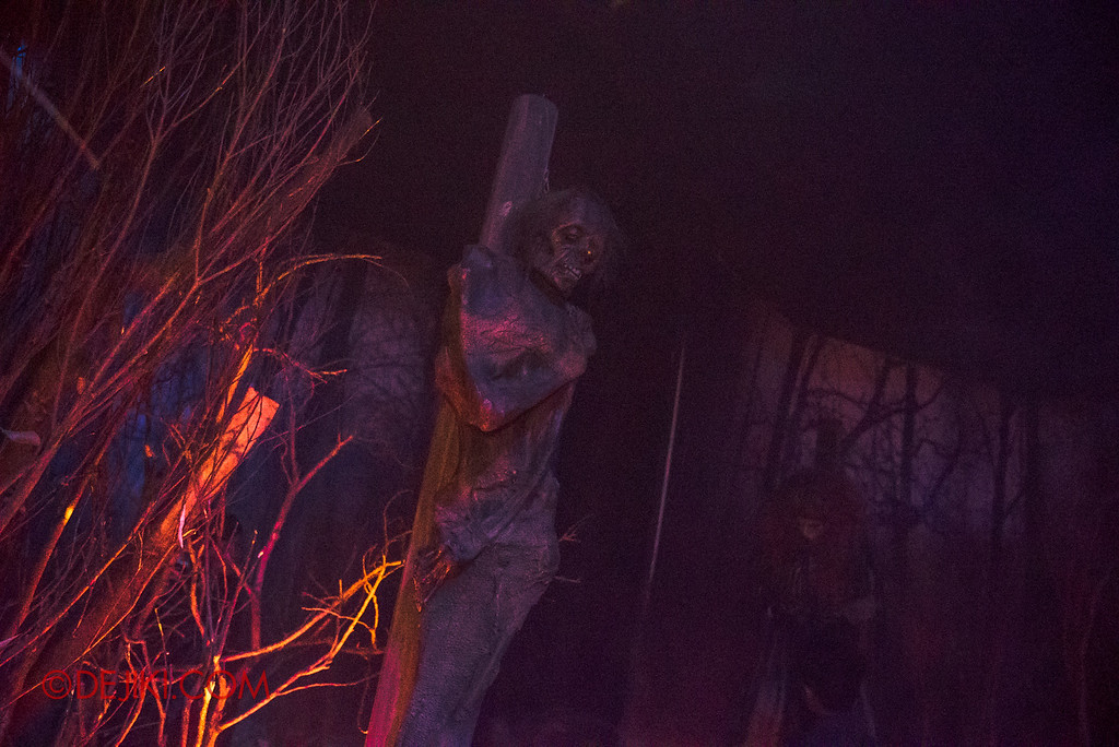 Halloween Horror Nights 6 - Salem Witch House / The Burning
