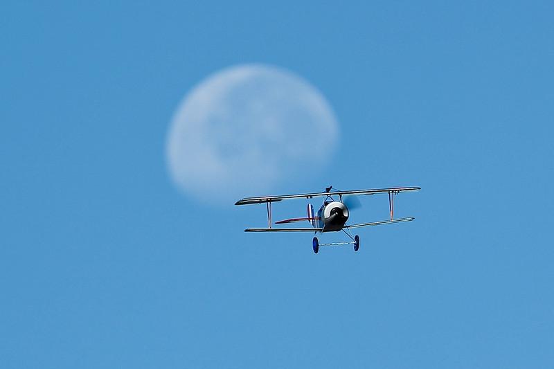 Electrifly_Nieuport17_Moon_49.jpg
