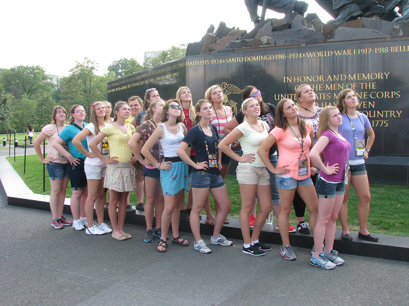 All the Ladies in front of the Iwo Jima memorial. (whose idea WAS this pose??) ;)