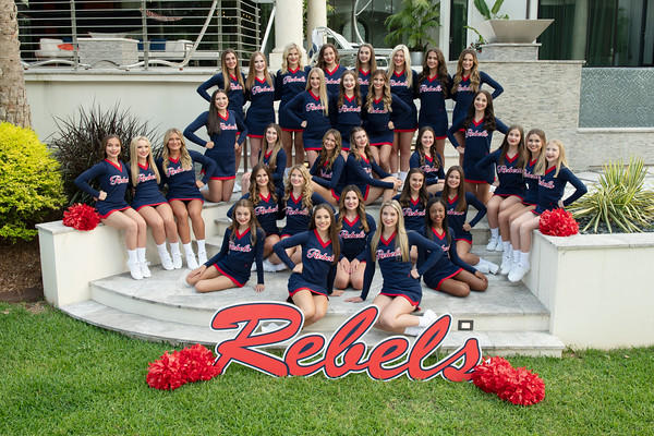 2019-20 TCH Cheerleader Team pictures
