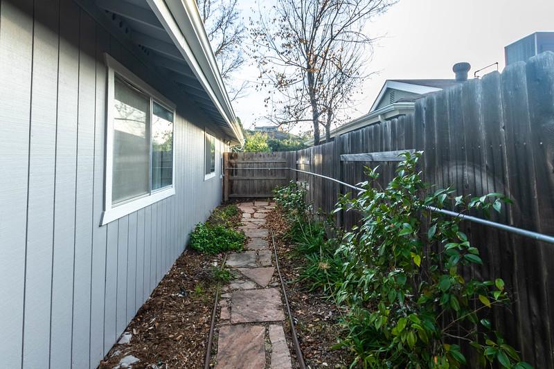 4505 Lobos 35 Backyard.jpg
