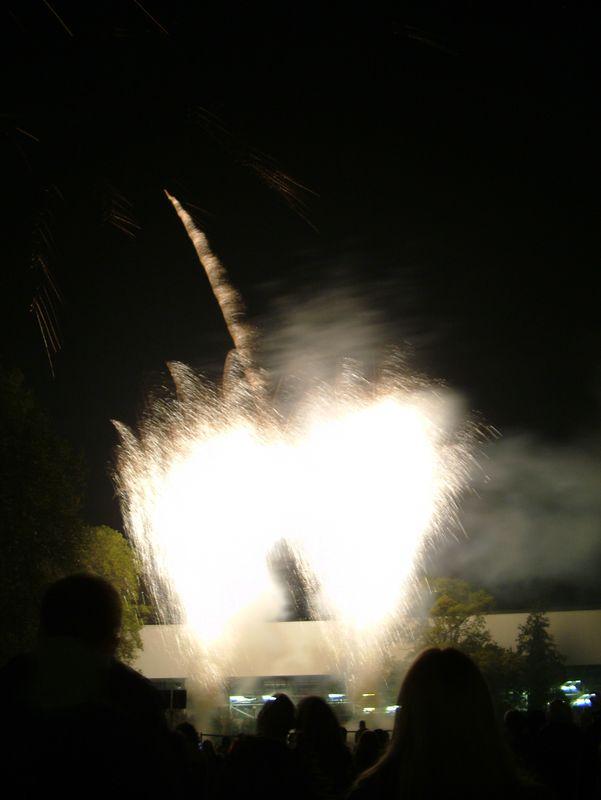 2004_1105putneyfireworks20053.JPG