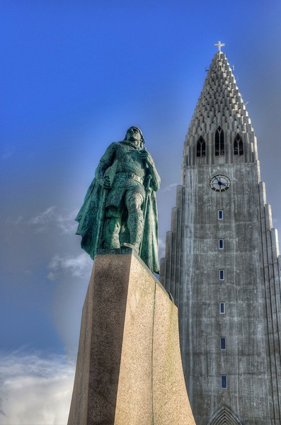 Leif Ericson statue with the church looming behind