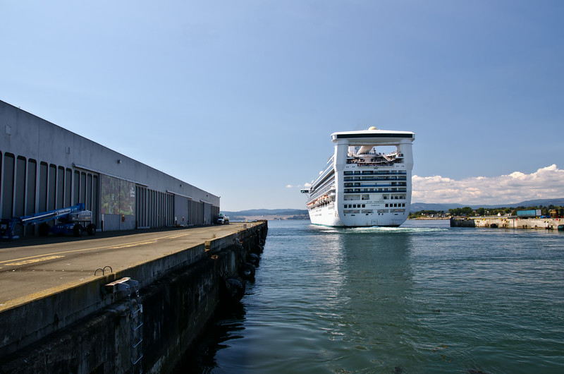 2014 August OgdenPoint Cruiseship_1.jpg