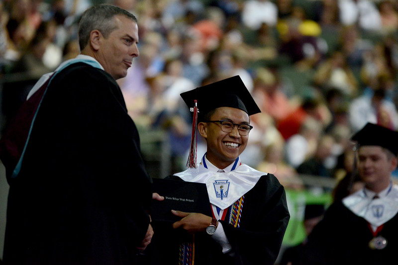 VRHS-Graduation_021.jpg