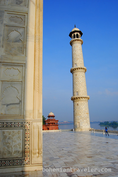 minuret view Taj Mahal.jpg
