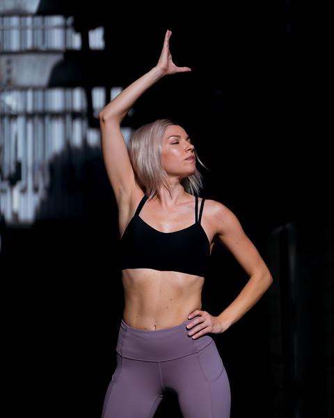 IG - Hawaii - Madeleine Russick - Yoga-1090.jpg