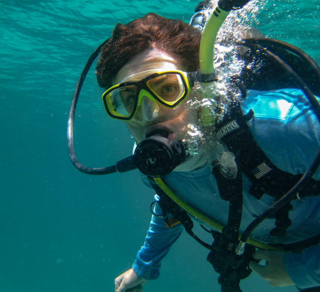 diving sombrero reef