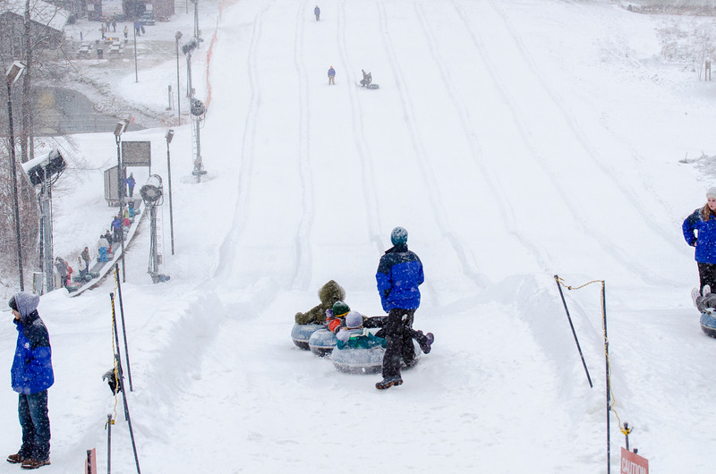 Opening-Day-Tubing-2014_Snow-Trails-71093.jpg