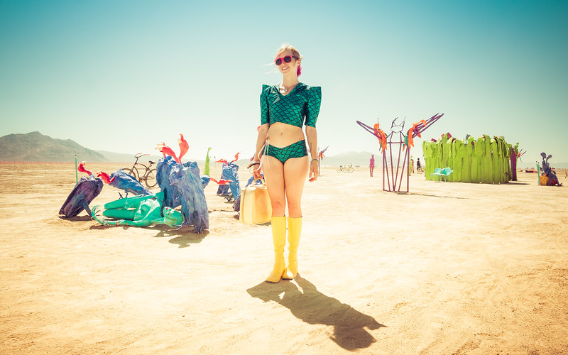 girl-deep-playa-burning-man-2014.jpg