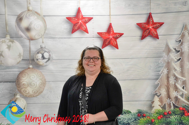 Christmas Photobooth 2018-035_01.jpg
