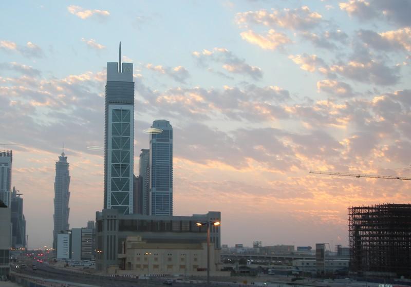 Dubai_skyline_sunset