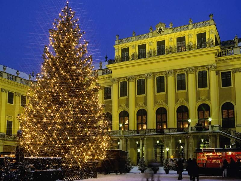 World___Austria_Christmas_in_Vienna__Austria_069599_.jpg