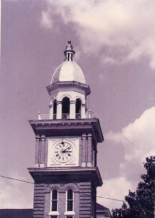 Bradley County Courthouse & WW II Memorial 1997