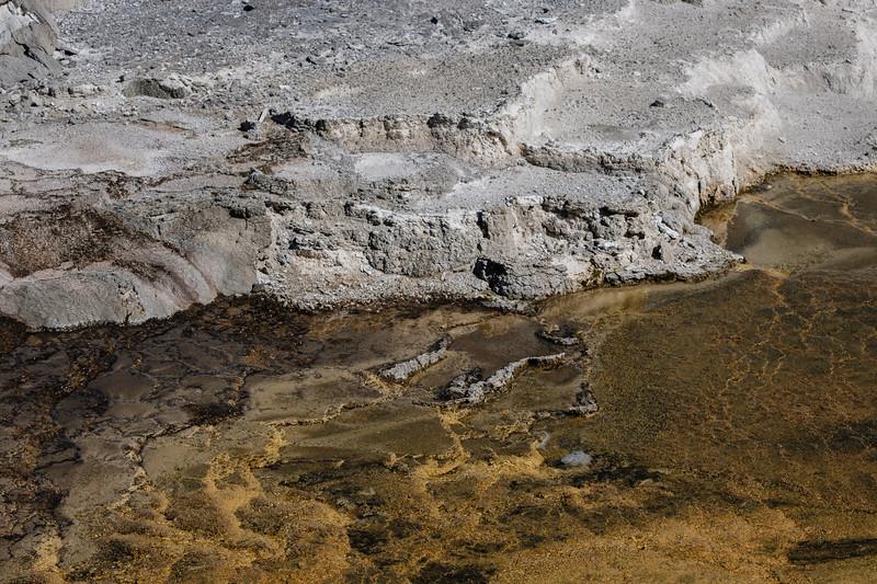 Mammoth-Hot-Springs-Yellowstone-Mroczek-2782.jpg