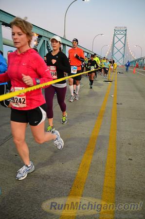 Ambassador Bridge, Gallery 2 -  2012 Detroit Free Press Marathon