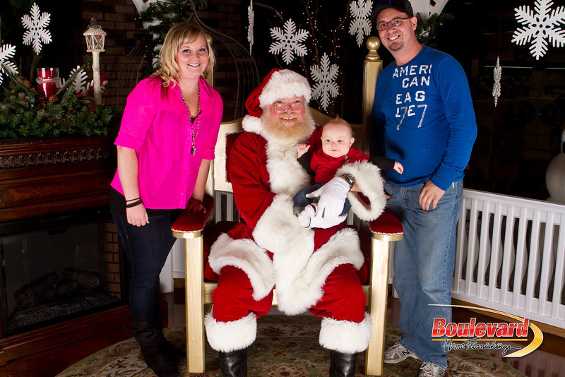 Santa Dec 15-329.jpg