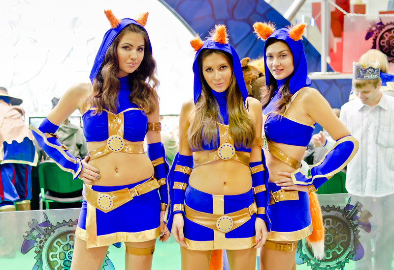 Prime World girls at Igromir 2011
