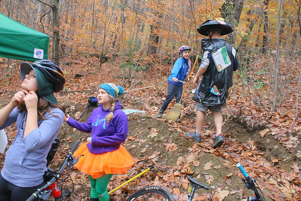 WAMBAWEEN... Mountain Bike Halloween