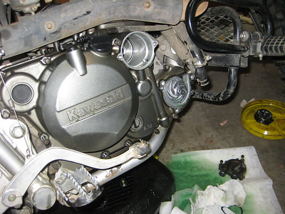 KLR Clutch replacement and Oil Screen clean