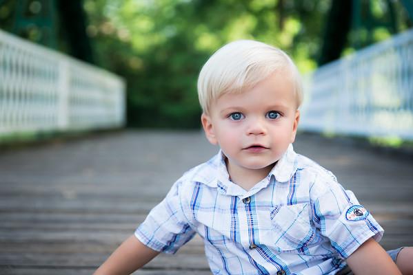 Avery 2Y Portraits