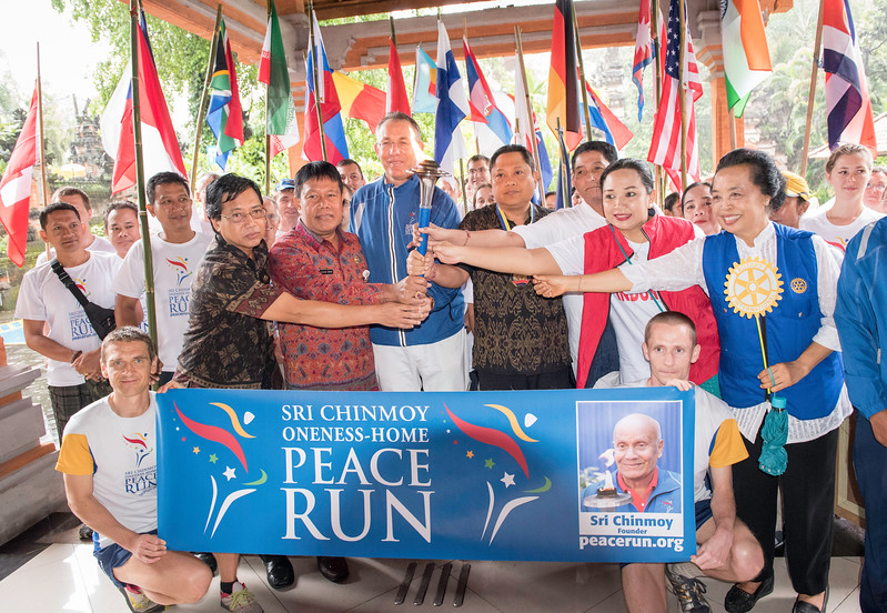 20170202_Peace Run Denpasar w_Mayor_059.jpg