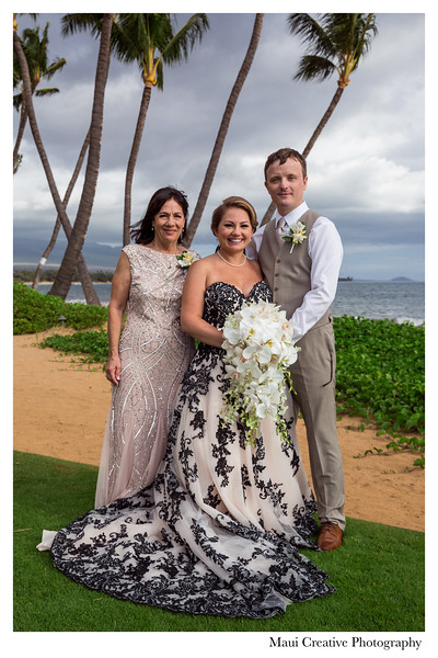Maui-Creative-Destination-Wedding-0121.jpg