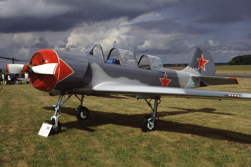 LY-AFQ-YakovlevYak-52-Private-EDXM-2000-05-21-HL-21-KBVPCollection.jpg
