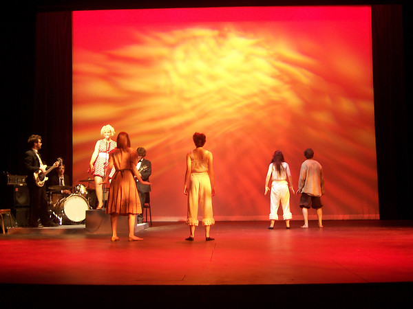 Americamisfit - Ellipsis Theatre Company