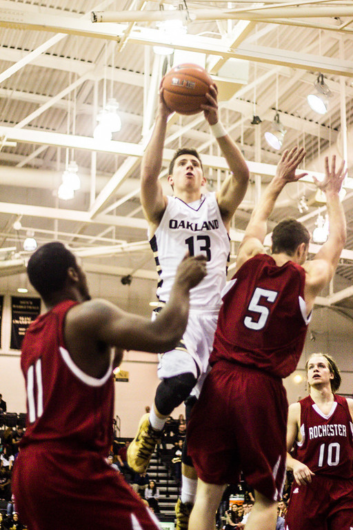 . Baenzinger makes a jump shot near the end of the second half. Photo by Dylan Dulberg