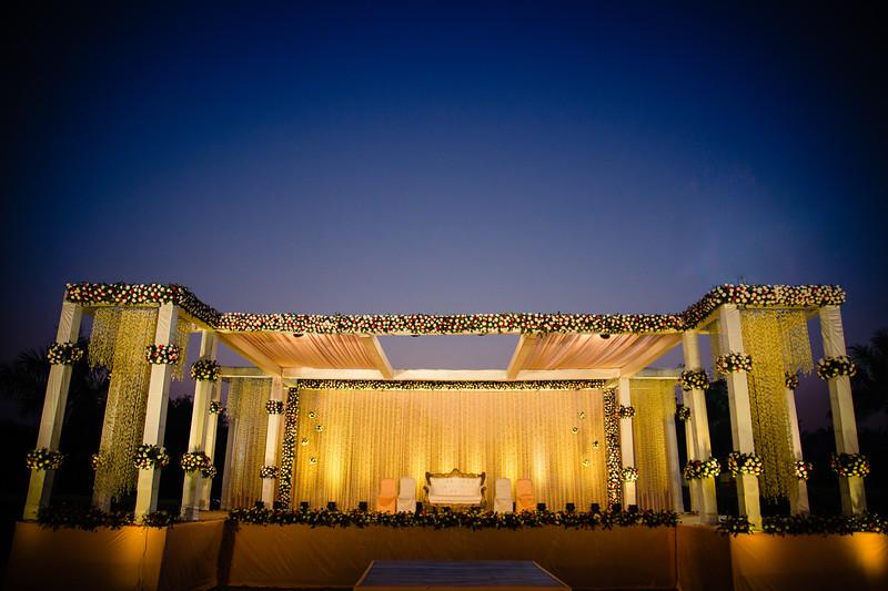 Candid Wedding Photographer Ahmedabad-1-161.jpg