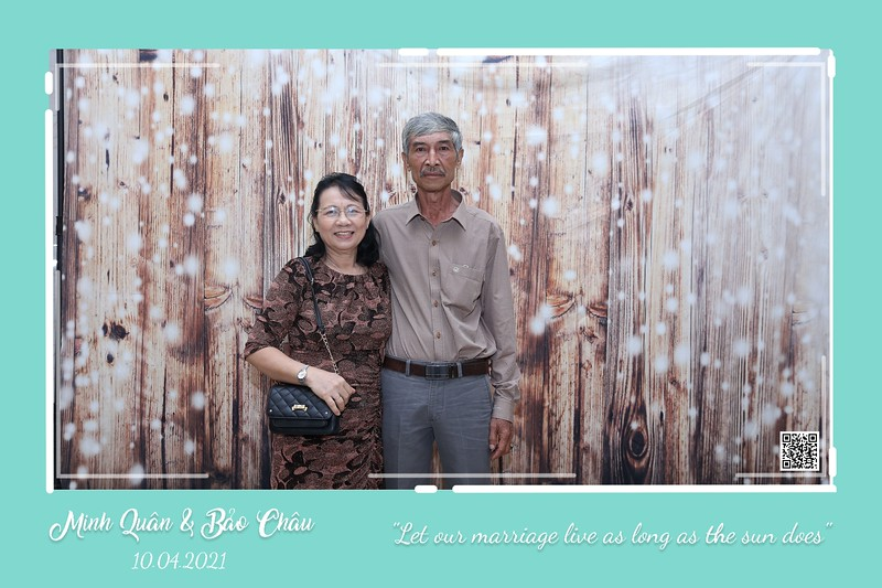 QC-wedding-instant-print-photobooth-Chup-hinh-lay-lien-in-anh-lay-ngay-Tiec-cuoi-WefieBox-Photobooth-Vietnam-cho-thue-photo-booth-126.jpg
