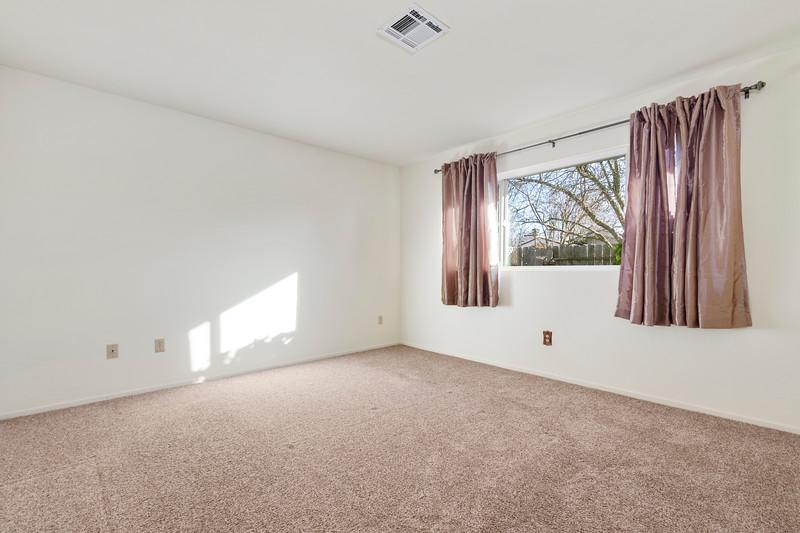 3280 Firtree 23 Master Bedroom.jpg