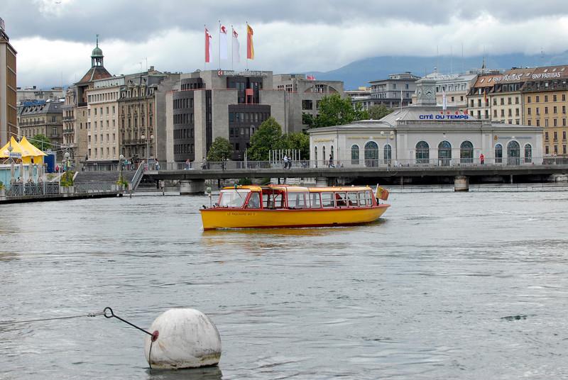 070626 7448 Switzerland - Geneva - Downtown Hiking Nyon David _E _L ~E ~L.JPG