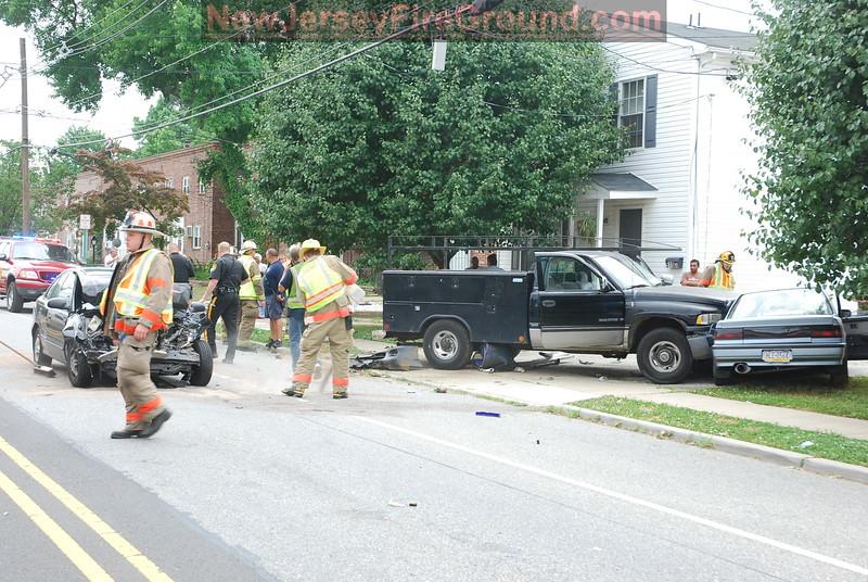 6-6-2010 (Gloucester County) WESTVILLE Broadway & Oak Street - MVC with Entrapment