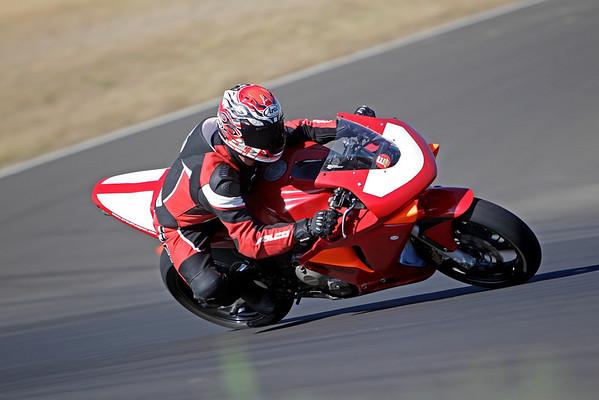 Honda - Red 600RR