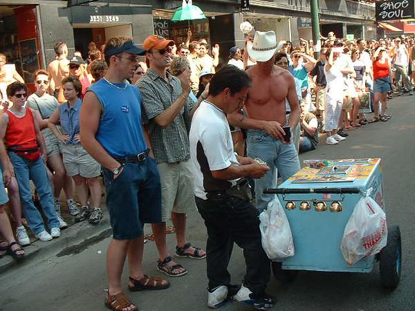 Pride Parade 2001-74-1.jpg