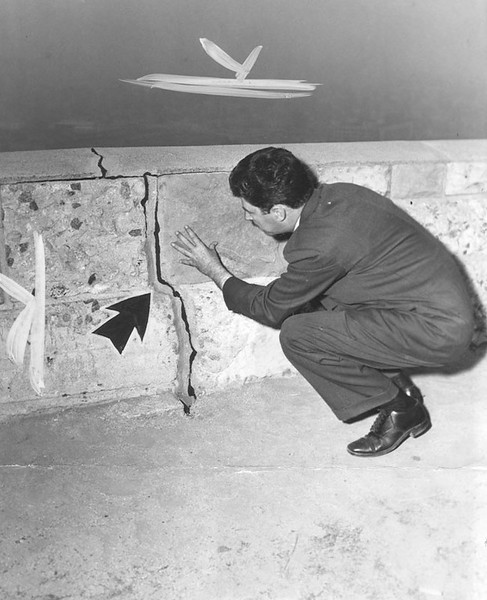 1944, Examining the Crack