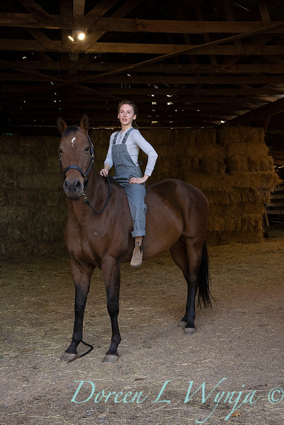 Girl and her horse_159.jpg