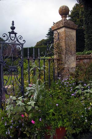 Stratford Upon Avon and Hidcote Gardens
