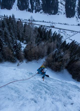 01 Ice Climbing in Pitztal