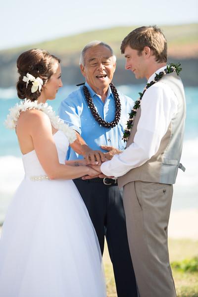 gillin beach kauai wedding-106.jpg