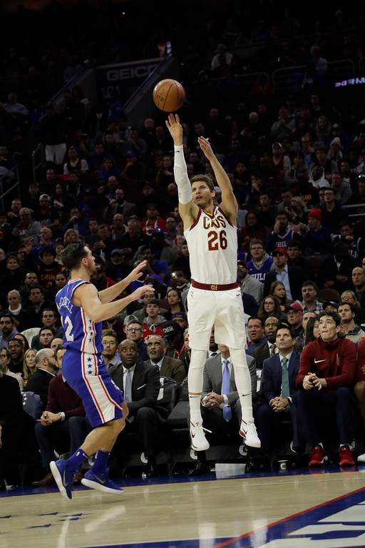 . Cleveland Cavaliers\' Kyle Korver in action during an NBA basketball game against the Philadelphia 76ers, Monday, Nov. 27, 2017, in Philadelphia. (AP Photo/Matt Slocum)