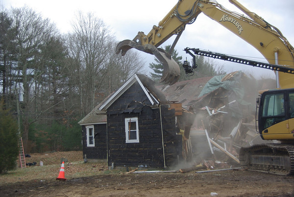 Extreme Makeover: Home Edition – Building The Castle