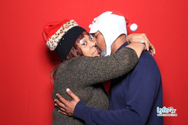 eastern-2018-holiday-party-sterling-virginia-photo-booth-0121.jpg