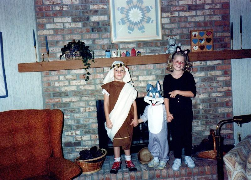 1989_Fall_Halloween Maren Bday Kids antics_0010_a.jpg